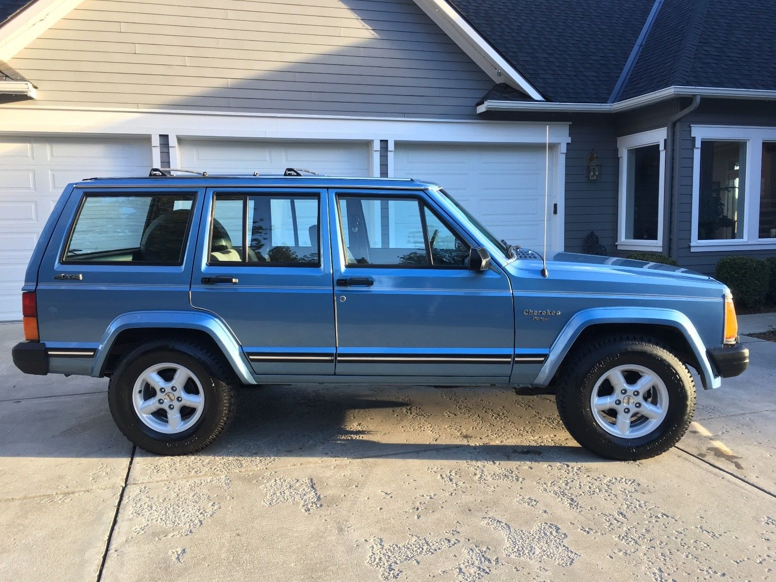 2018 Jeep Grand Wagoneer >> 1989 Jeep Cherokee Pioneer for sale