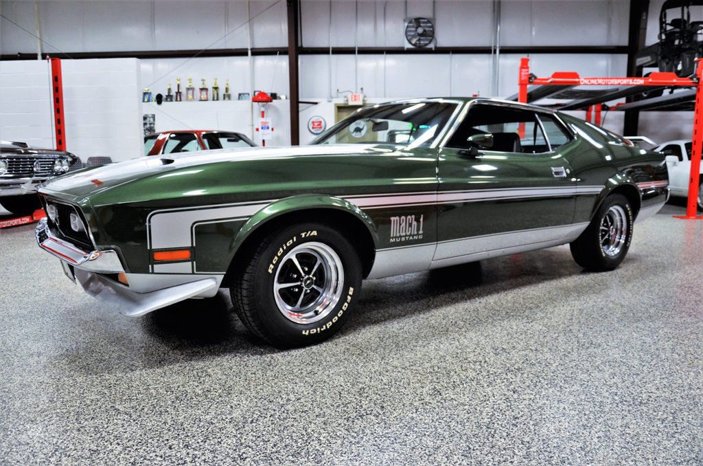 1971 Ford Mustang Mach 1 Replica