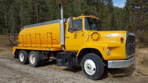 1989 Ford L 9000 Water Truck for sale