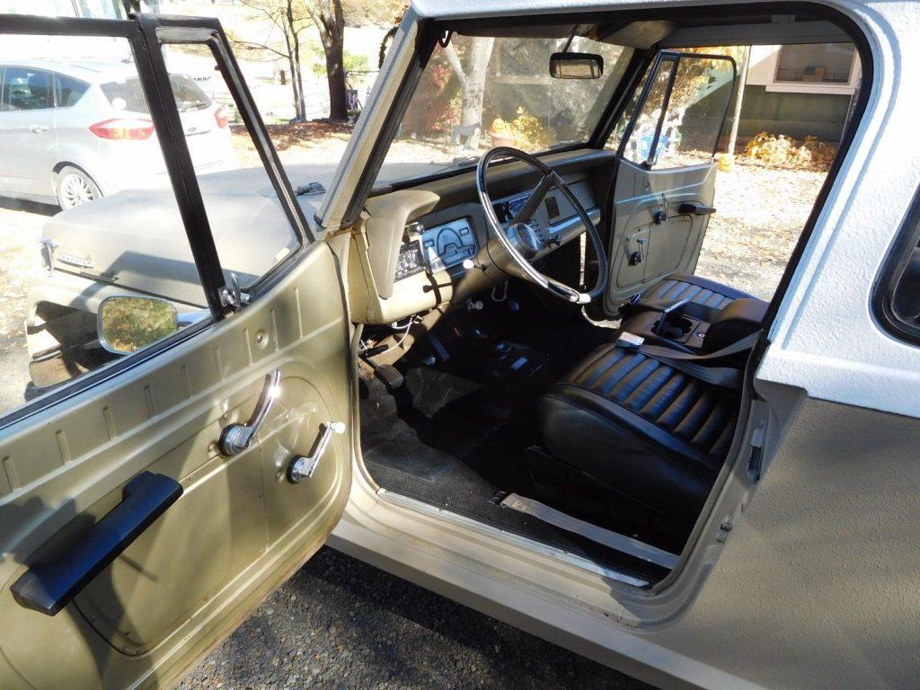Jeep Commando Dash