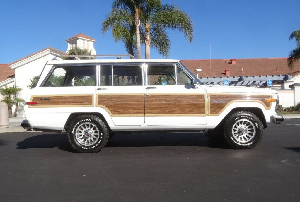 1989 Jeep Grand Wagoneer 5.9 Crate Motor