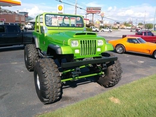 1992 Jeep YJ  LIME Green 4X4 Frame OFF Restoration Coyote ENGIN