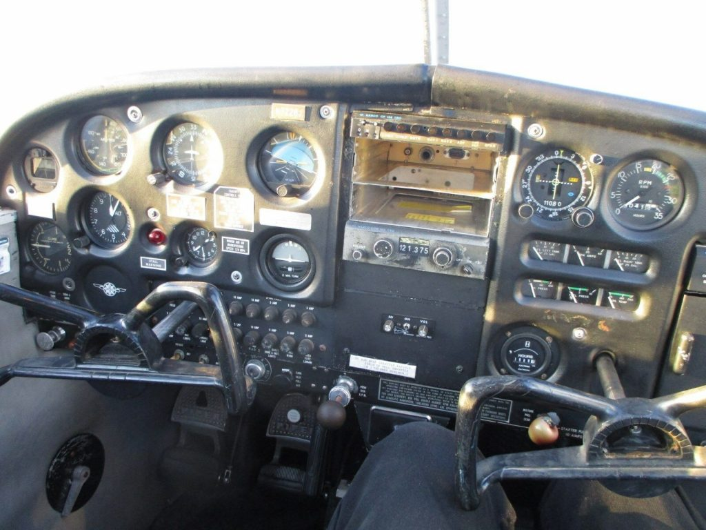 1968 Piper Cherokee 140, 4 Place, 5,300tt, 1144 Smoh, Powerflow Exhaust, NOSE FO