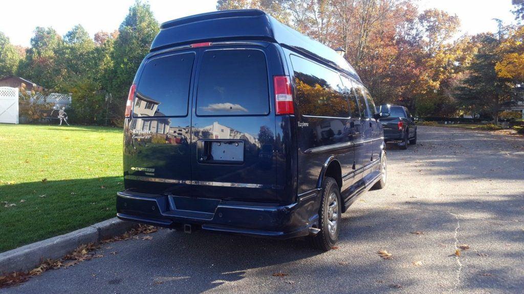 2014 Chevrolet Van Explorer Luxury Express