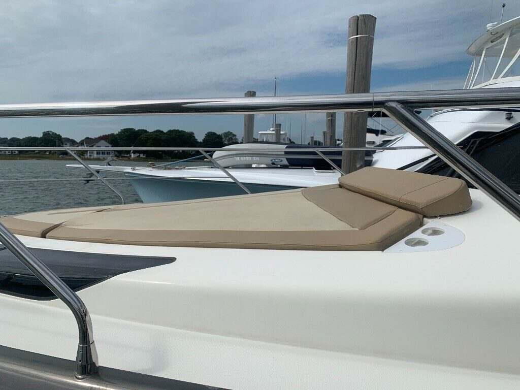 2011 Marquis yacht boat