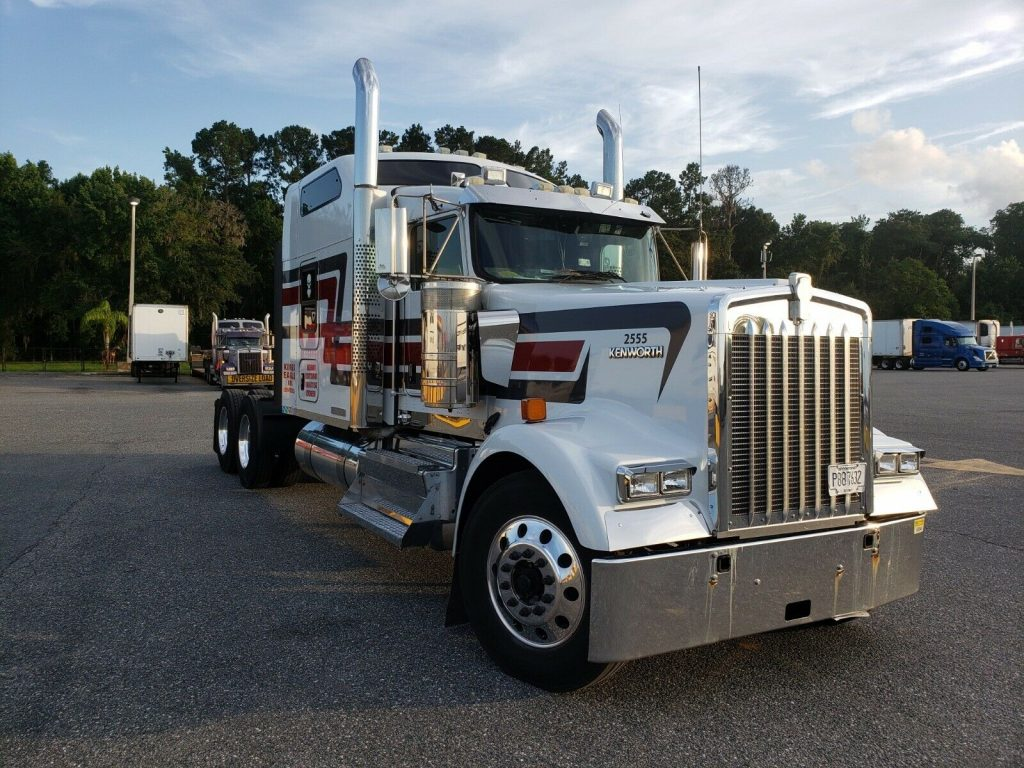 2016 Kenworth Commercial Trucks