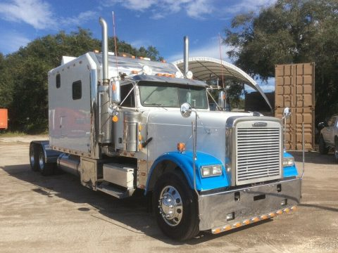 2007 Freightliner Class XL 132 for sale