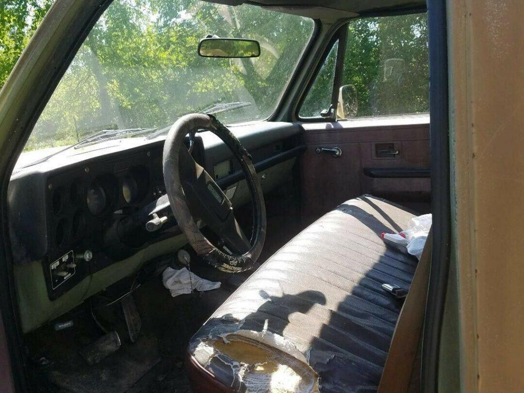 Chevrolet CUCV M1008 Military Pickup Truck 6.2L