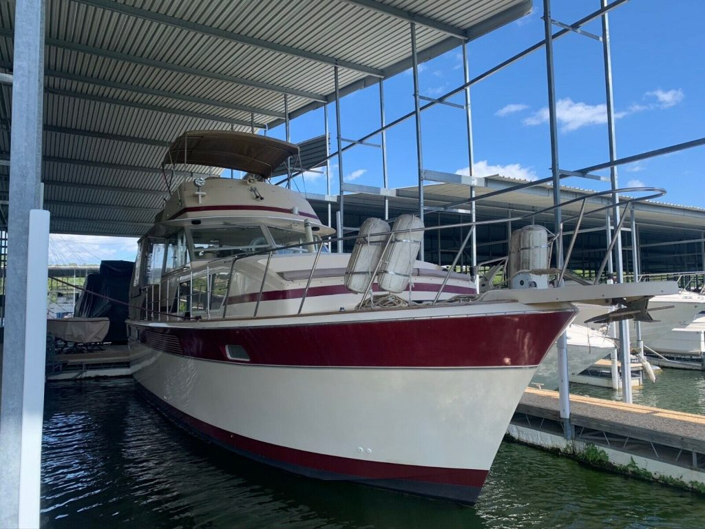 1982 Chris Craft 410 Commander